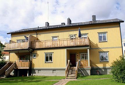 Flerfamiljshus – stående panel